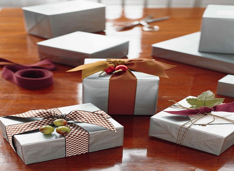 Top Ideas and Tips for Unique Festive Gift Items